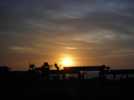 石門看夕陽