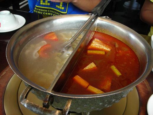 酸菜鍋+麻辣鍋