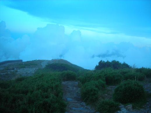 雲太厚了,看不到成功的夕陽
