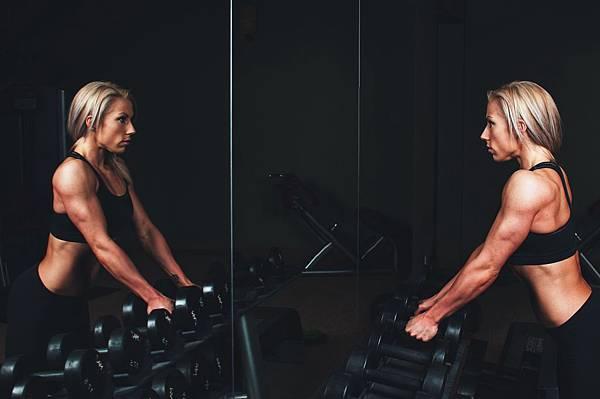 SuperFIT健身菜單-重訊重量的負荷