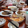 母親節的家庭聚餐,又是滿滿一堆菜