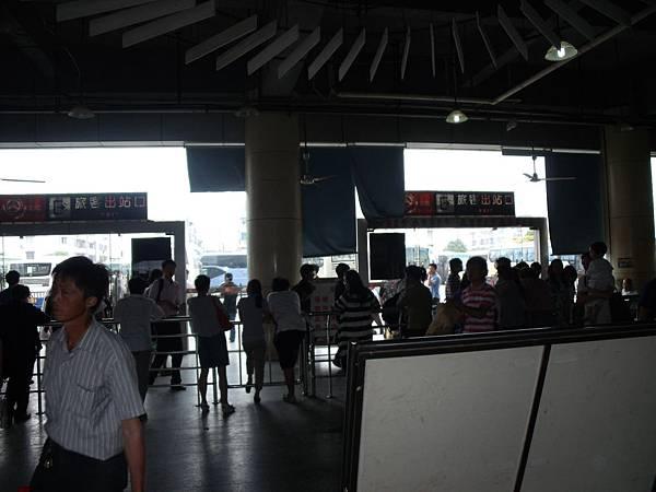 蘇州南站 跟機場一樣的出關