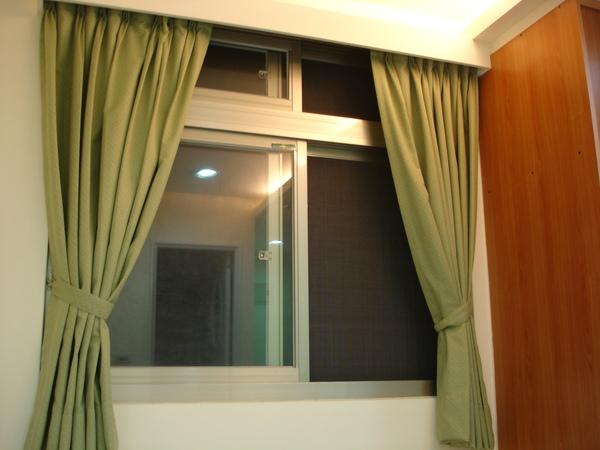 隔音很好的窗戶! 沒關偶而會聽到隔壁在打麻將