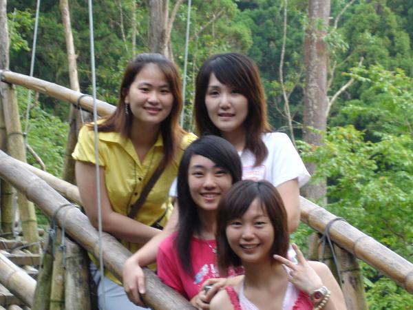 此次一起出來玩的四姐妹