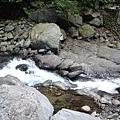 瀑布留下的溪水,不知道這樣算不算南勢溪
