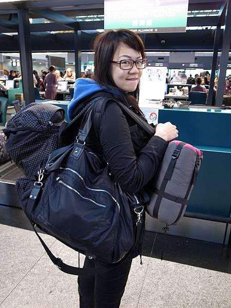 十足超重的背包客