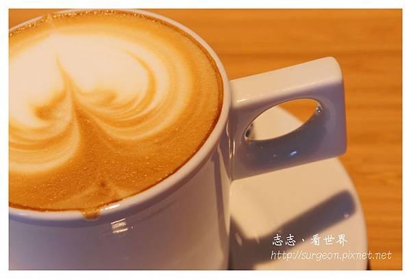 《台南》ORO咖啡-凱旋店 (27).JPG
