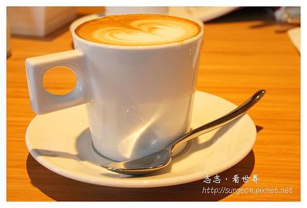 《台南》ORO咖啡-凱旋店 (30).JPG