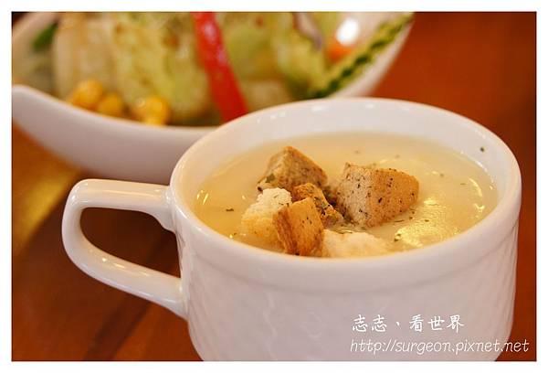 《台南》Little Bear Tea Party & Shopping 輕食 (16).JPG