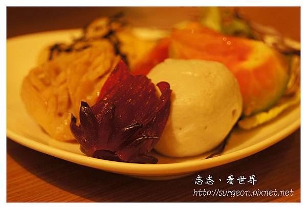 《台南》府城藝術轉角葯蔬湯本鍋料理 (2).JPG