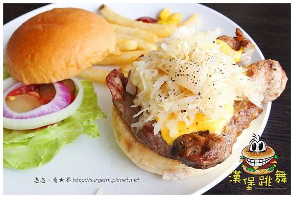 《台南》漢堡跳舞 漢堡 排餐 早餐 調酒 (1)