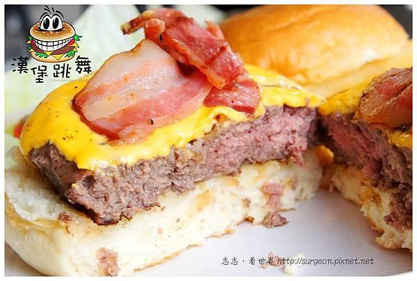 《台南》漢堡跳舞 漢堡 排餐 早餐 調酒 (16)