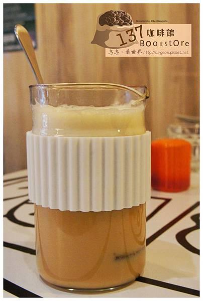 《台南》137 bookstore咖啡館 早午餐 咖啡 (10)