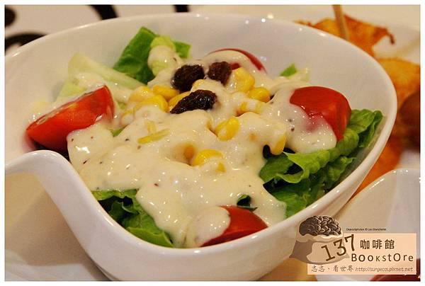 《台南》137 bookstore咖啡館 早午餐 咖啡 (16)