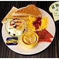《台南》鯊魚咬土司 早餐 鬆餅 布丁土司 (15)