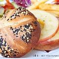 《台南》巴黎波波 輕食館 麵包餐 三角吐司 (20)