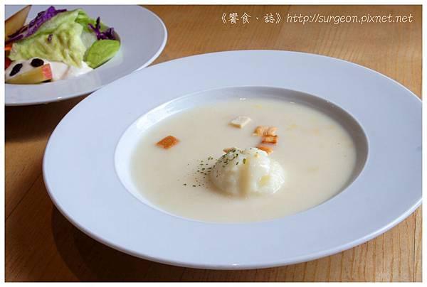 《台南》愛堤卡莎 早午餐 蜜糖吐司 排餐 燉飯 (7)