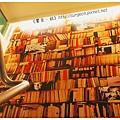 《台南》塗鴉空間 書店 早午餐 咖啡 甜點 (11)