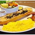 《台南》塗鴉空間 書店 早午餐 咖啡 甜點 (26)