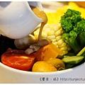 《台南》塗鴉空間 書店 早午餐 咖啡 甜點 (33)