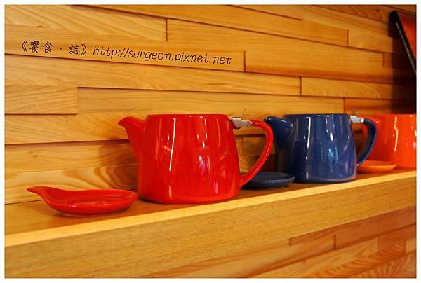 《台南》塗鴉空間 書店 早午餐 咖啡 甜點 (40)