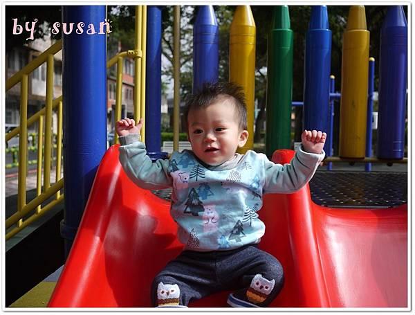 麗嬰房2015秋冬009.JPG