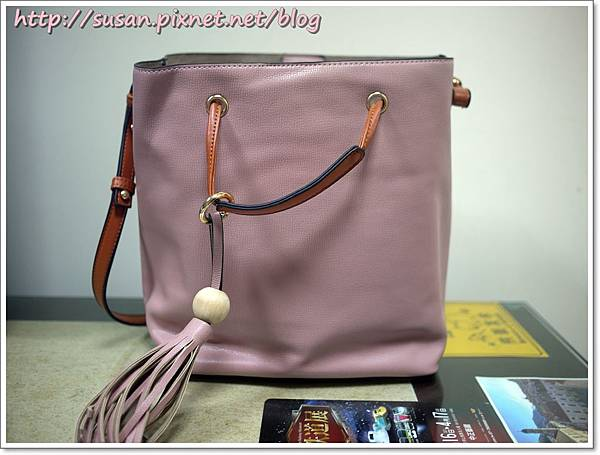 粉色水桶包06.JPG
