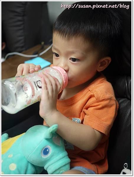 小獅王蘿蔓奶瓶12.JPG