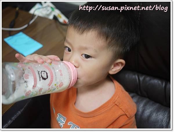 小獅王蘿蔓奶瓶13.JPG