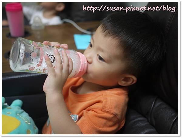 小獅王蘿蔓奶瓶14.JPG