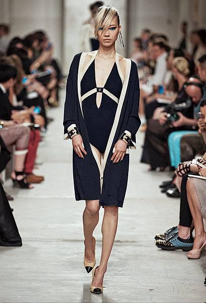 14C31.jpg.fashionImg.look-sheet.hi