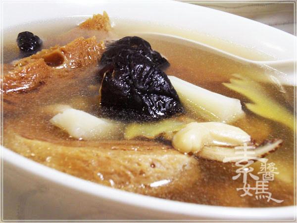 電鍋料理-腰果山藥湯10.jpg