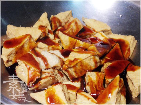 秒殺級家常菜 - 滷油豆腐04.jpg