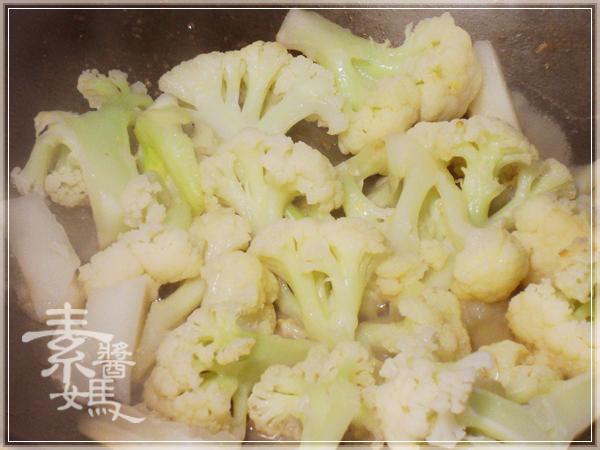 當季料理-花椰菜炒飯&花椰菜湯麵09