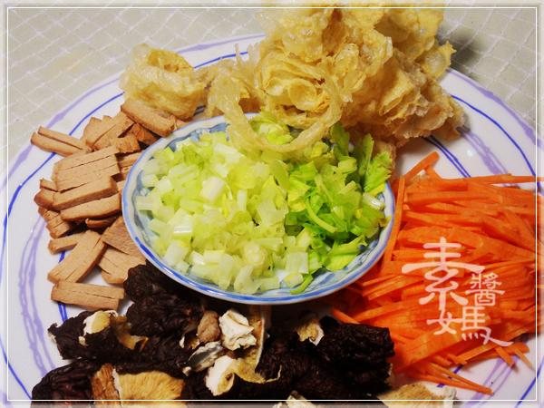 美味家常菜-炒埔里水粉02