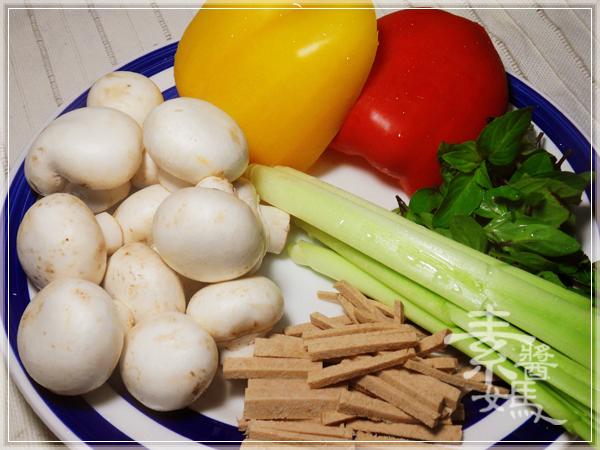 美味小吃-磨菇半月燒02