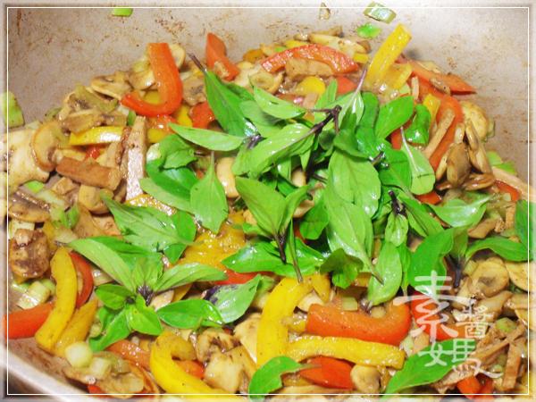 美味小吃-磨菇半月燒12