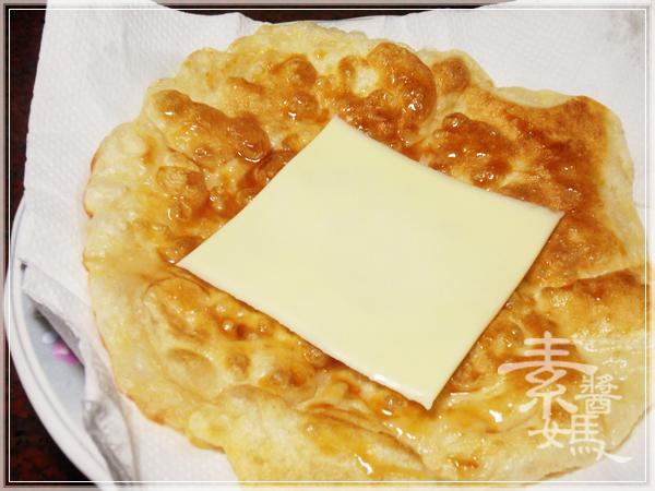 美味小吃-磨菇半月燒23