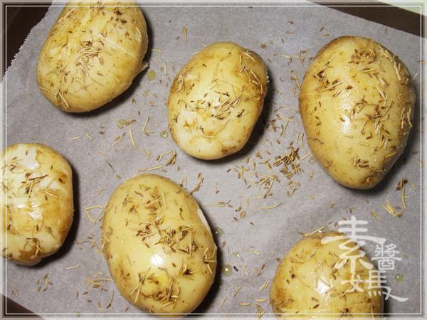 整顆帶皮的焗烤馬鈴薯06