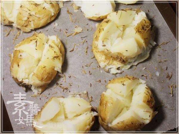 整顆帶皮的焗烤馬鈴薯14