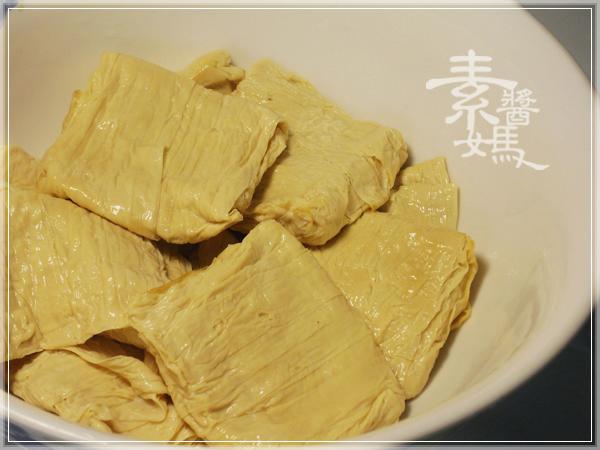 家常菜-香菜豆包捲02