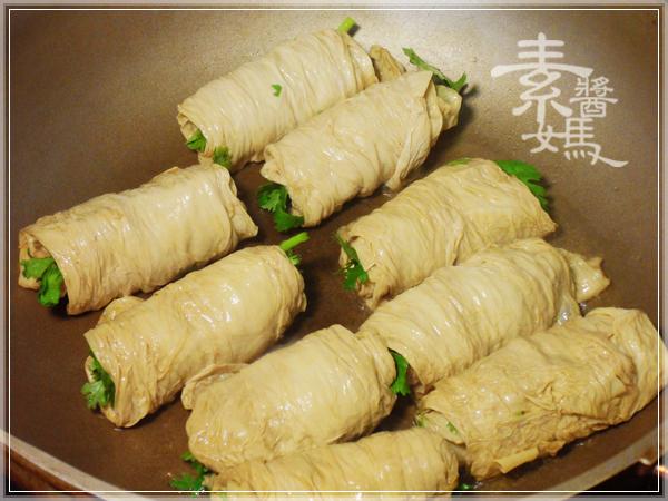 家常菜-香菜豆包捲07