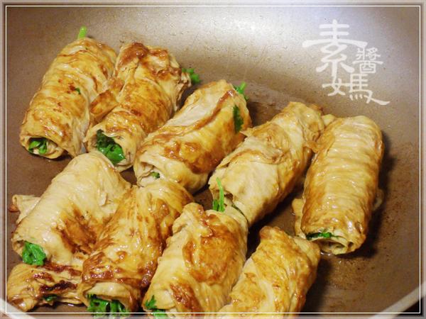 家常菜-香菜豆包捲09