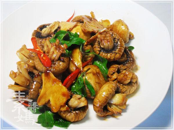 素食快炒料理-素炒螺肉(炒磨菇)10