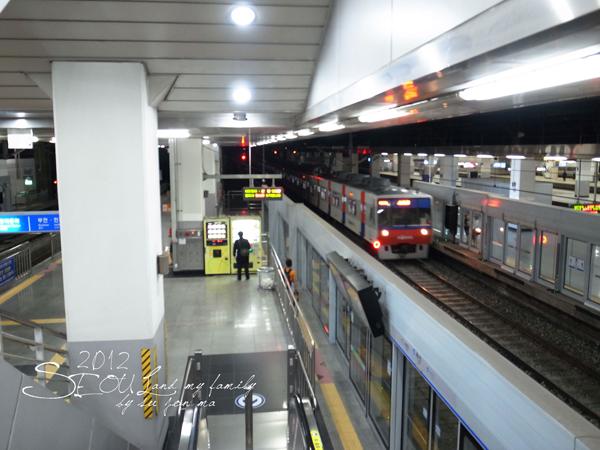 2012_8_23首爾素食-出發-龍山EMART21