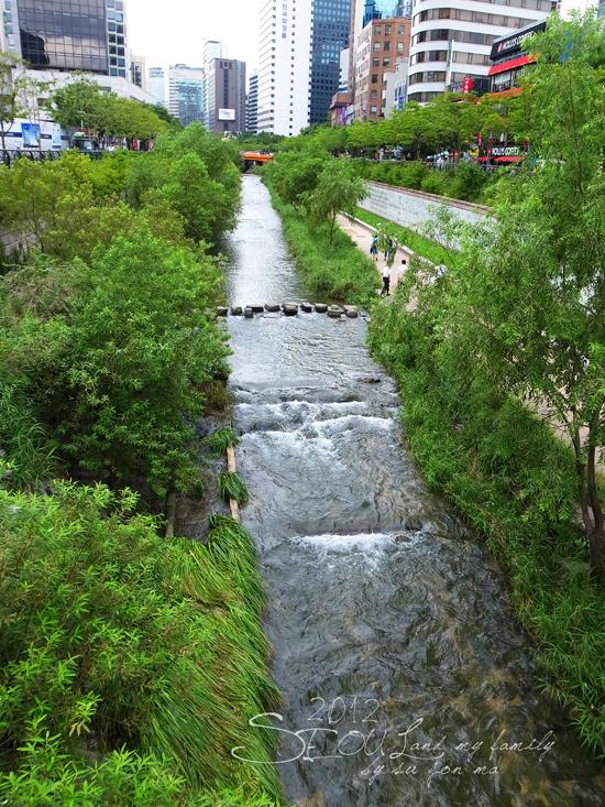 2012_8_24韓國首爾素食-清溪川-廣藏市場-樂天超市02