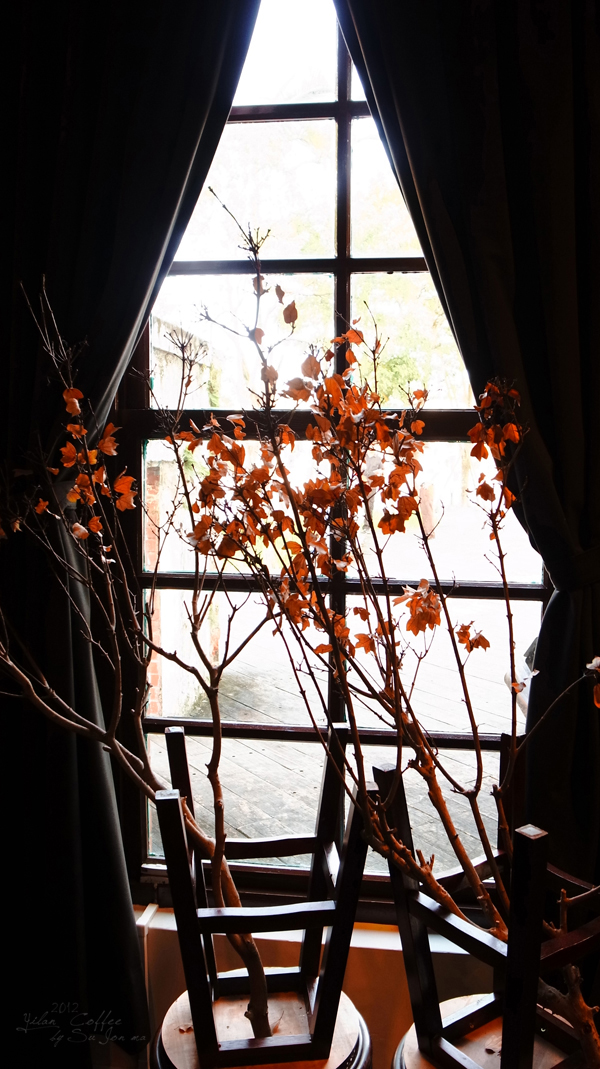 宜蘭火車站附近咖啡館-百果樹紅磚屋&舊書櫃14
