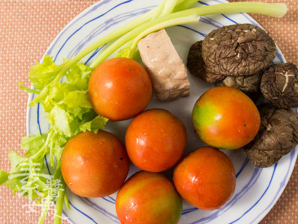 省錢簡單料理-番茄麵疙瘩-1