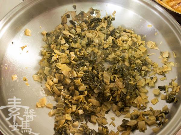 素食年菜料理-梅干(福菜)扣肉-8