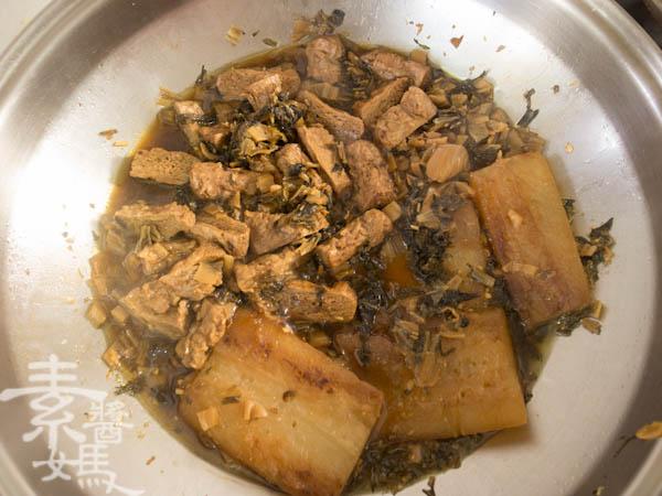 素食年菜料理-梅干(福菜)扣肉-13
